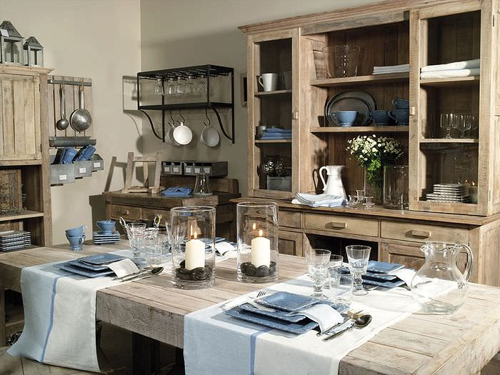 Кухонный шкаф с открытыми полками