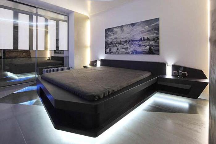 Спальня в стиле хай-тек с черной кроватью