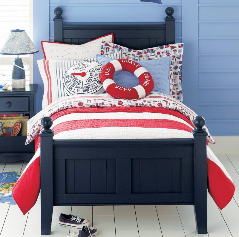 Оформление детской кровати в морском стиле