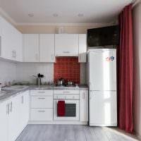 Угловой кухонный гарнитур белого цвета