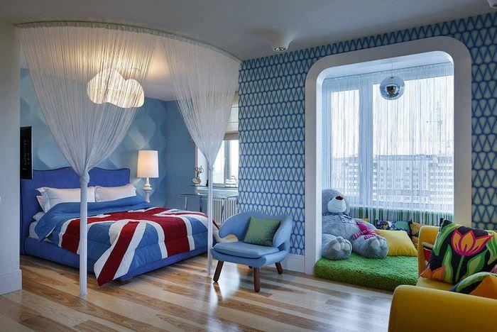 Детская комната с выделенной игровой зоной
