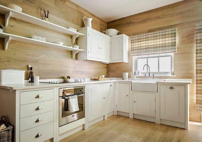 Кухонный гарнитур из дерева светлого оттенка