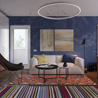 Синий цвет в интерьере современной гостиной