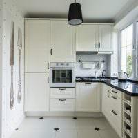 Угловая кухня небольшой площади