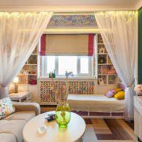 Зеленые стены в спальне-гостиной