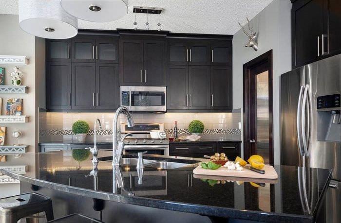 Дизайн Г-образной кухни в стиле модерн