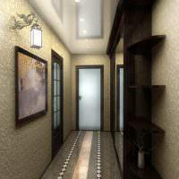 Виниловые обои на стенах коридора