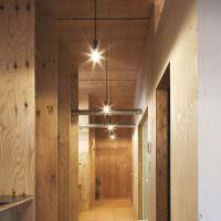 Отделка узкого коридора листами фанеры