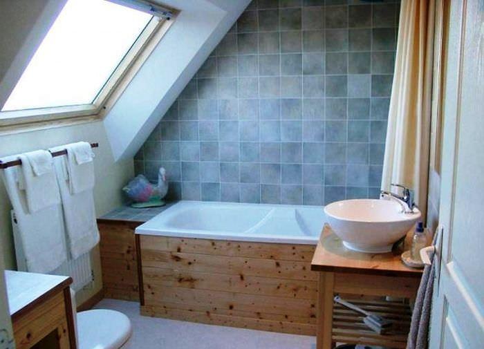 Организация ванной комнаты в на чердаке частного дома