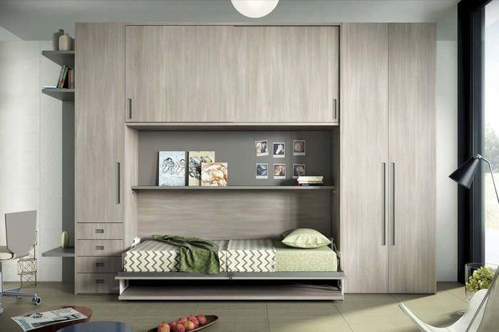 Мебельный гарнитур с откидной детской кроватью