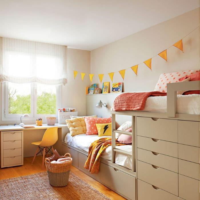 Детский уголок в общей комнате