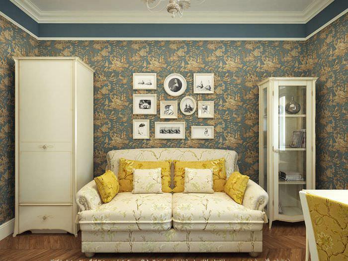 Акцентные подушки в монотонном интерьере гостиной
