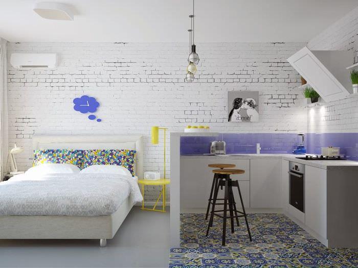 Дизайн однокомнатной квартиры в белом цвете