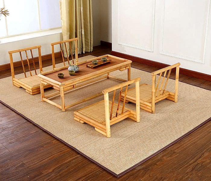 Ковер из бамбука в интерьере комнаты в японском стиле