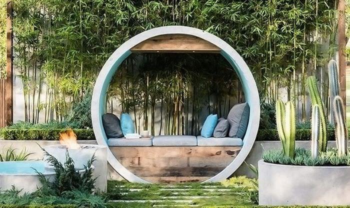 Бетонные кольца в ландшафтном дизайне