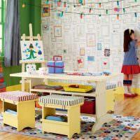 Нарисованные рамки на стене детской комнаты