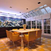 Зонирование ковром обеденного места в кухне-гостиной