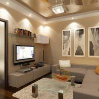 Модульная картина на бежевой стене небольшой гостиной