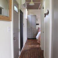 Дизайн узкого коридора в частном доме