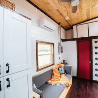 Дизайн летнего домика в строительном вагончике