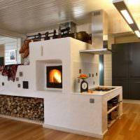 Русская печка в современной кухни-гостиной