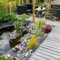 Дорожки из досок в дизайне сада