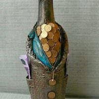 Подарок для мужчины из стеклянной бутылки
