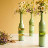 Вазы для живых цветов из старых бутылок