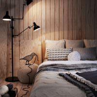 Вагонка в интерьере спальной комнаты