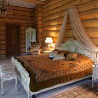 Классическая мебель в спальне срубового дома