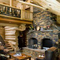 Интерьер гостиной с комбинированной печью-камином