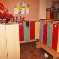 Шкафчики в детской раздевалке