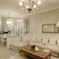 Бумажные обои в комнате классического стиля
