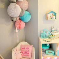 Бумажные шары в интерьере комнаты для девочки