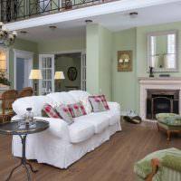 Дизайн гостиной с белым диваном