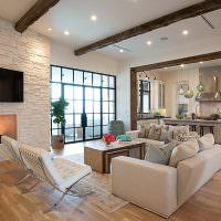 Панорамное окно в дизайне гостиной