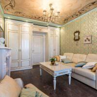 Роспись потолка в классической гостиной