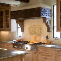 Декоративная отделка кухонной вытяжки