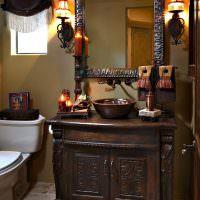 Шикарная деревянная мебель в ванной комнате