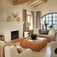 панорамное окно с аркой в гостиной