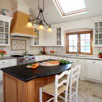 Интерьер кухни в небольшом дачном домике