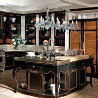 Итальянская мебель с резными элементами