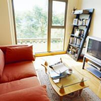 Маленькая гостиная с панорамным окном