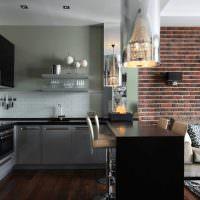 Кирпичная стена в кухне-гостиной