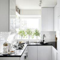 Маленькая кухня с П-образной планировкой