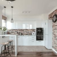 Светлая кухня в стиле лофта