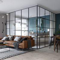 Спальня в стеклянном кубе с занавесками