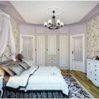 Декор спальни разноцветными подушками