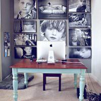 Черно-белые снимки на стене рабочего кабинета