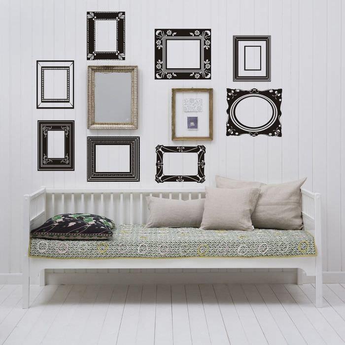 Дизайн стены с фотографиями